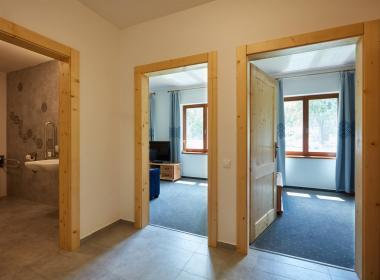 sections/July2020/gothal-ubytovanie-na-liptove-penzion-borovica-izba-triple-izby-IcW.jpg