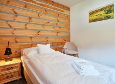 sections/July2020/gothal-ubytovanie-na-liptove-penzion-borovica-izba-triple-postel-lRJ.jpg